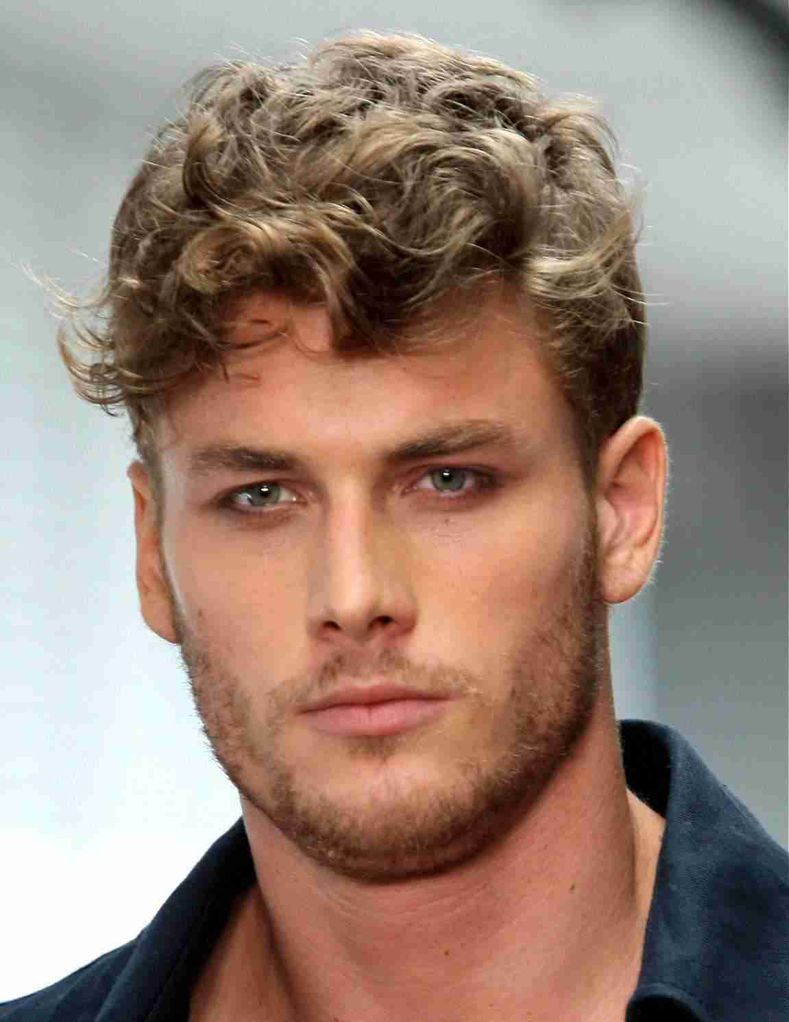 Haircuts for curly hair men