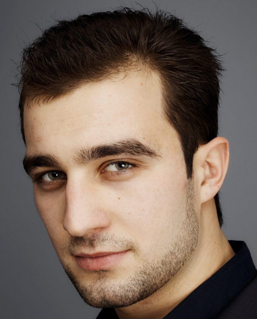 выявил фото типичного армянского мужчины сапожке, как москве