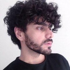 Стрижка для кудрявых волос